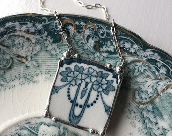 Beautiful Edwardian art nouveau teal blue green floral broken china jewelry necklace