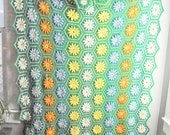 Vintage Green Afghan Blanket Hexagons with Multicolor Daisies Flowers