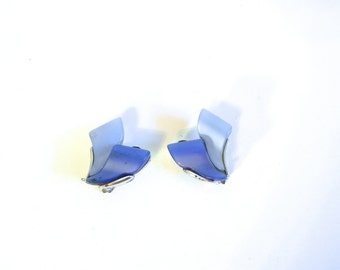 Vintage 50s Earrings , Blue Thermoset Space Age Earrings