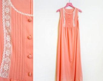 Vintage 1970s 100% Nylon S Floor Length Sleeveless Salmon Colored Nightie