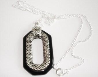 "Vintage Jewelry Black  Silver Color Pendant1.75"" x 1"" Chain 22"""