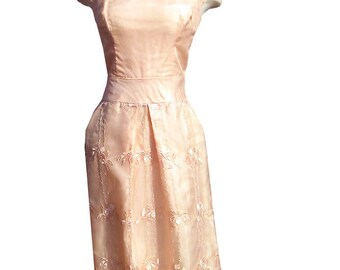 Vintage 50s Embroidered Peachy Pink Dress 36-30-50 M L  1950s Rockabilly