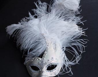 Phantoms Allure- Fancy Opalescent Plumed Mask