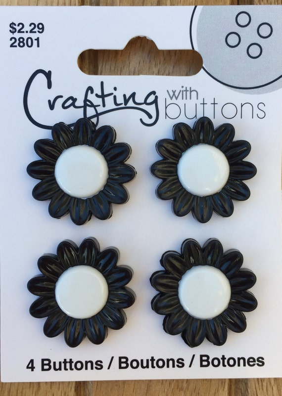 Daisy Buttons, Black and White Daisy Buttons, Crafting With Buttons Collection, Carded Set of 4, Shank Back Buttons, Washable