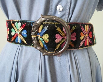 60s 70s Embroidered Bohemian Velvet Belt w/ Metal Wolves Head Buckle - Up to 38""