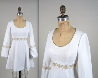 1960s embriodered mod dress • vintage 60s dress • white mini dress