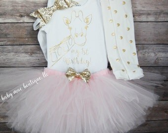 """First Birthday Outfit Girl; Giraffe Birthday Tutu Outfit; baby girl birthday tutu outfit; Extra Large 6"""" faux leather bow; Gold glitter"""