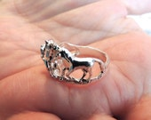 Sterling Silver Horse Lovers Ring Family of Horses Size 8 Vintage Jewelry