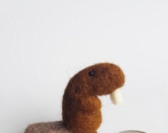 Miniature Beaver-Handcrafted Brown Needle felted Beaver, DollHouse Miniature Animal