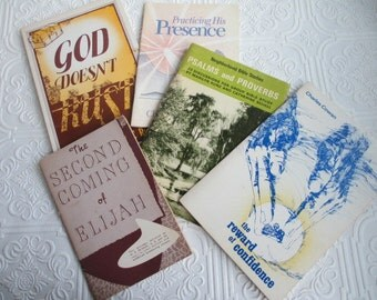 5 Vintage Books Religious Booklets Instant Collection - Church, Religion, Christian, Prayer