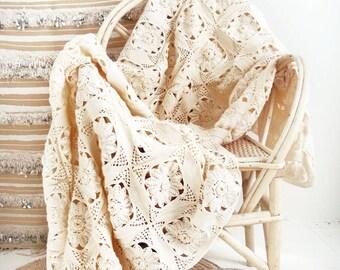"""Vintage crocheted blanket - """"Flowers"""""""