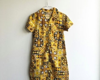 Vintage 60s Retro Floral Mini Dress / Yellow, Orange Flower Print Dress / Short Sleeves / Fabric Buttons