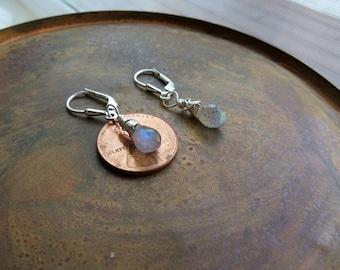 labradorite earrings . TEARS OF LIGHT . silver earrings . gray earrings . stone earrings . short earrings . leverback earrings . flashing