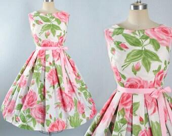 Vintage 50s ROSE Print Dress / 1950s Cotton Sundress Floral Oversize Roses Pink Green Leaf Full Swing Skirt Pinup Garden Party Pinup L Large
