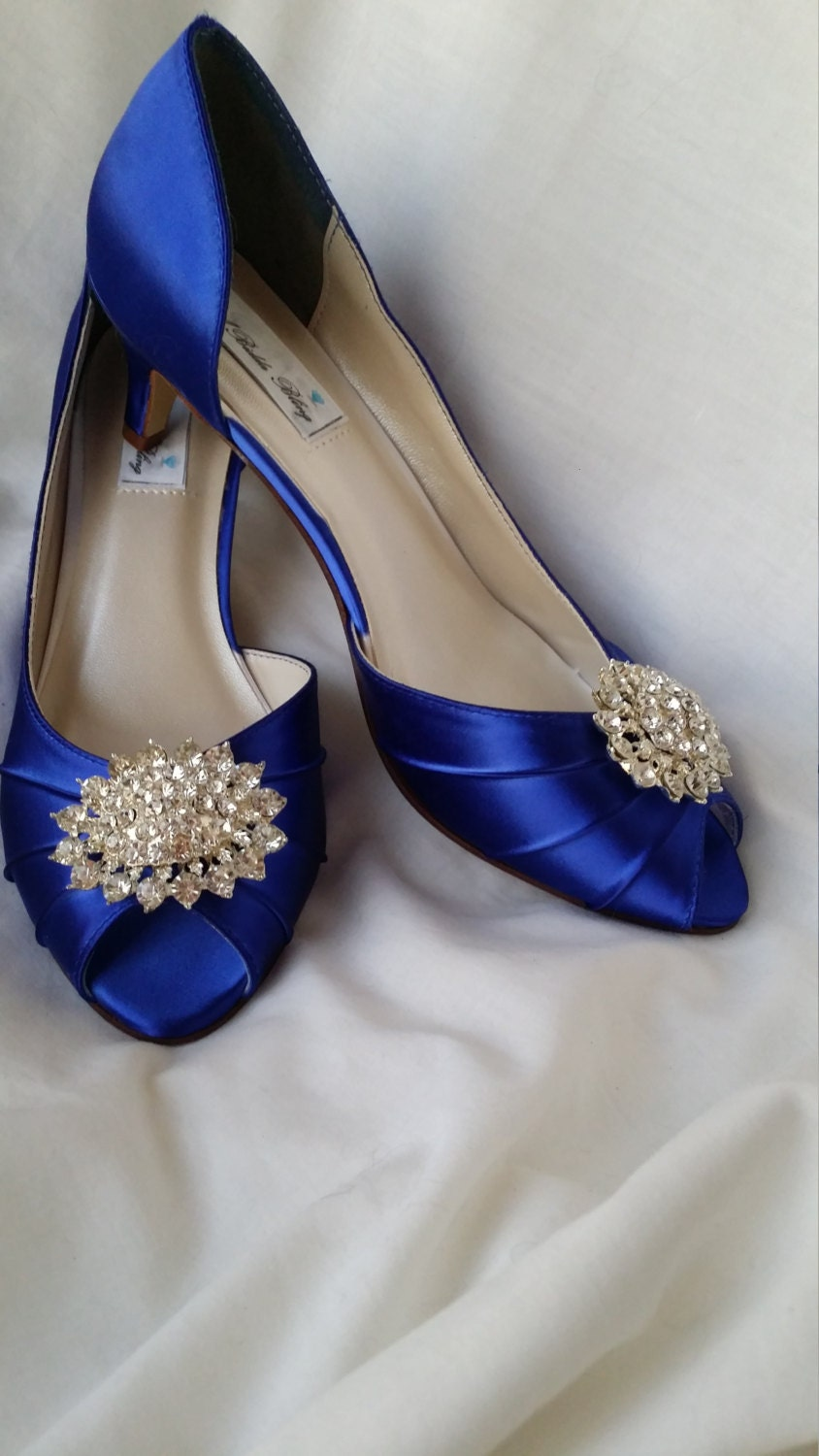 wedding shoes kitten heel blue wedding shoes sparkling crystal