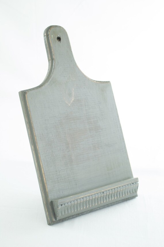 Distressed cutting board ipad stand recycled kitchen board for Acheter planche de bois