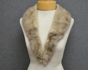 1960s Beige Long Fur Collar