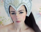 SALE White, Silver and Pearl 'Margaret' Historical Tudor Elizabethan Headdress