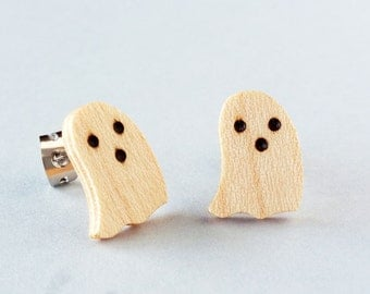 Halloween ghost earrings, Boo halloween earring, halloween gift jewelry, wooden handmade ghost stud earrings, small cute ghost earrings