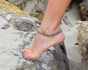 Sterling silver gemstone anklet, pyrite ankle bracelet, delicate jewelry beach jewelry anklets, statement anklet with dangling pyrite stones