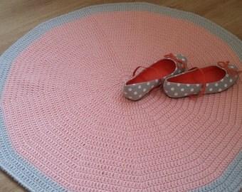 Nursery rug, round rug, floor rug, floor mat for girl, kid's room rug, crochet rug, doily rug, kids rugs, baby girl nursery decor, peach rug