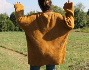 Sweater Oversized Gold I feel like dancing