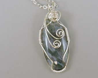 Green Moss Agate Necklace, Gemstone Jewelry, Agate Jewelry, Green Necklace, Wire Wrapped Gemstone