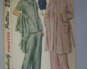Simplicity 2999 // Size 14 // Bust 32 // Pajamas and Robe // 1949