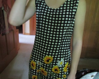 Gingham vintage sunflower dress
