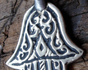 Small Moroccan  hand  khamsa  - no backing