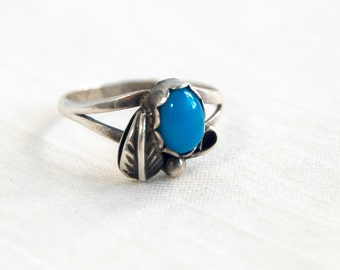 Turquoise Ring Size 5 .5 Southwestern Sterling Silver Vintage Desert Flower Blossom Dainty Girls Jewelry