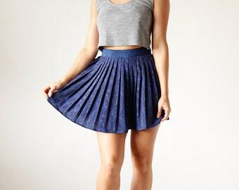 Vintage Paisley 90s Black and Navy Blue Pleated Mini Skirt size 6 small medium