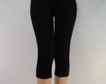 Black capri leggings in Bamboo/Cotton/Spandex jersey with 4 way stretch.
