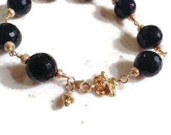 Black Bracelet - Onyx Gemstone Jewellery - Gold Jewelry - Flower - Wire Wrapped - Fashion
