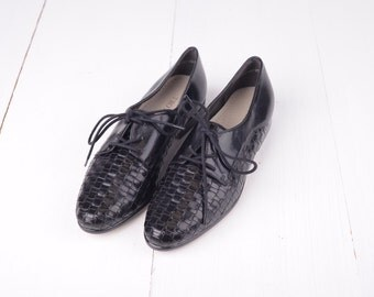 Vintage Trotters Black Woven Leather Oxfords, Womens 6 1/2  / ITEM291