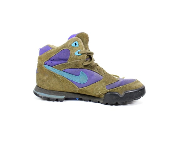 Unique Womens Nike ACG Air Kyber Leather Boot Walking Hiking Boots 6 Preview