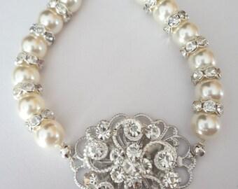Pearl statement bracelet ~ Bridal jewelry ~ Crystal Bracelet ~ Brides bracelet ~ Pearl and rhinestone bracelet ~ Swarovski ~ MIA