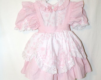 Vintage Toddler Girls Pink Daisy Ruffled Dress, with lot of lace and bounce Size 5T
