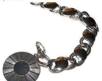 "Medallion Curb Link Bracelet Silver Plated Metal BIG Chunky 7"" Vintage"