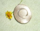 Extra Large Vintage Locket - Gold Toned -  FREE SHIPPING in U.S.A.