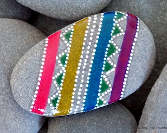 tribal egg / painted stones / painted rocks / paperweight / tiny art / rock art / easter egg / dots / egg shape / tribal art / beach stone