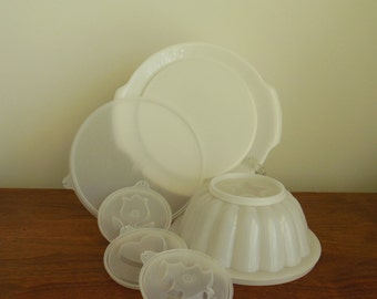 Tupperware Jel N Serve Fluted Jello Mold with Four Tops Star Tree Heart and Tulip Lid and Serving Platter