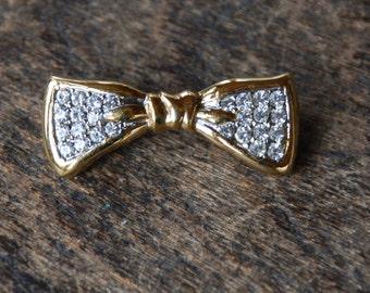 Vintage TRIFARI Rhinestone Bow Brooch Tiny Size Gold Tone Clear Rhinestones 1980's // Vintage Designer Costume Jewelry