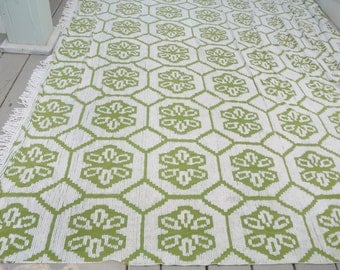 Vintage Chenille Bedspread Green and White