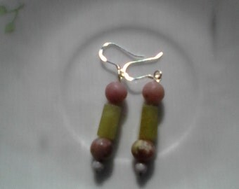 Aventurine and pink stone earrings