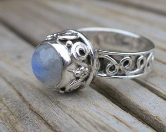 SALE Vintage 925 Sterling Silver Moonstone Ring