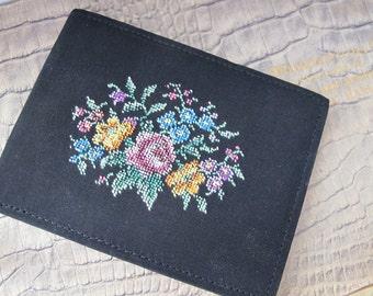 Floral Needlepoint Black Wallet, Vintage, Shop Wear, Unused, Small Lightweight, Fabric Wallet, Billfold, Paper Money, Gift Cash Bills Holder