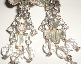 Vintage signed Weisner dangle rhinestone earrings*