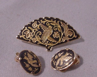 "Lovely Pin & Earrings Set Black and Gold With ""etched"" Birds"