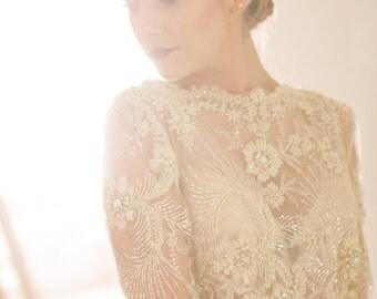 Elizabeth - Elegant Golden Pearl Crystal Comb